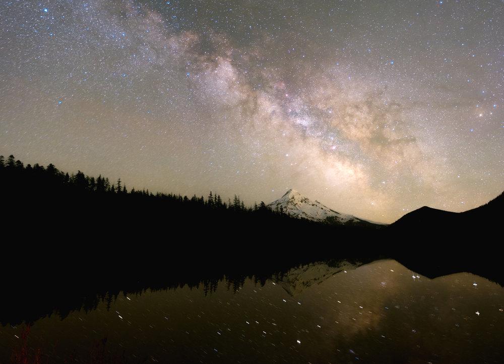 Milky Way over mt hood in Oregon