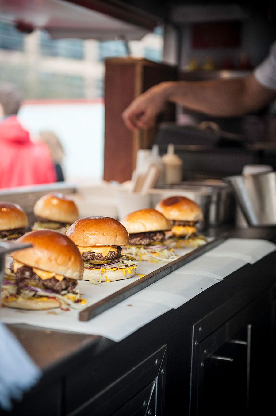 burger-lines.jpg