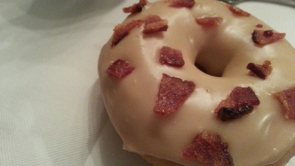 Trou de Beigne - Maple Bacon Donut - Made in Montreal