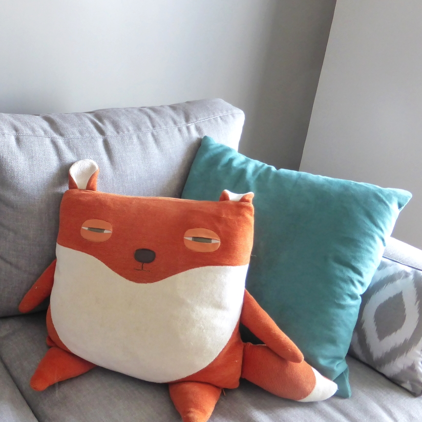 Velvet Moustache - Fox Pillow - Coussin Renard - Made in Montreal - Montreal Etsy Sellers