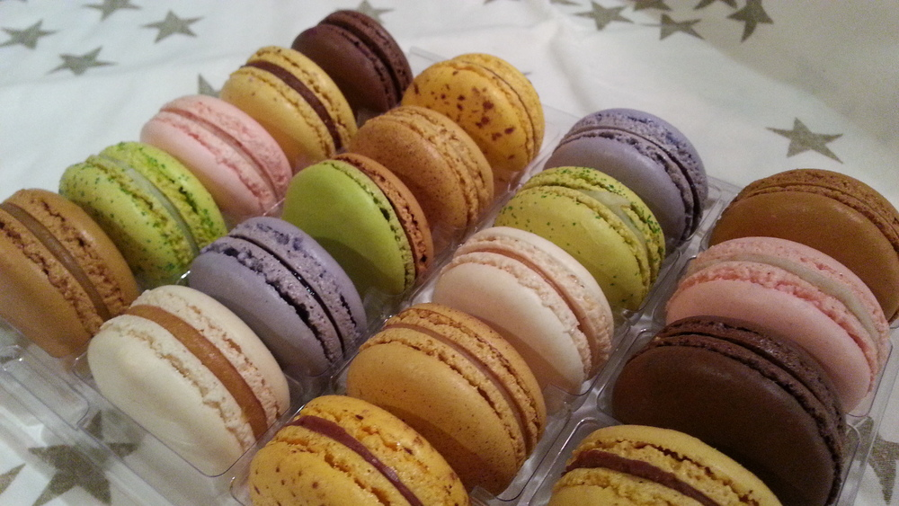 boutique point g - montreal macarons - montreal desserts - box of 20 - my girl montreal