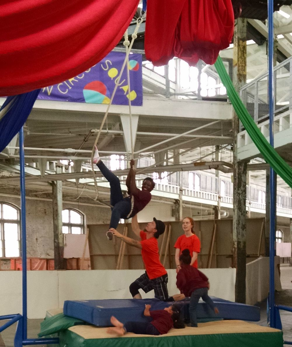 img_jisu_christine_circus.jpg