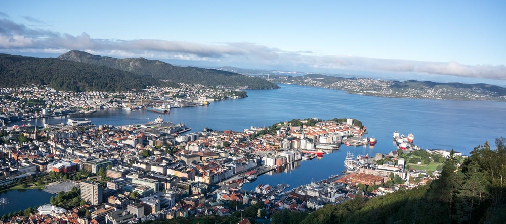 Went up the Bergen funicular nice and early before the crowds for a glorious view over the city!