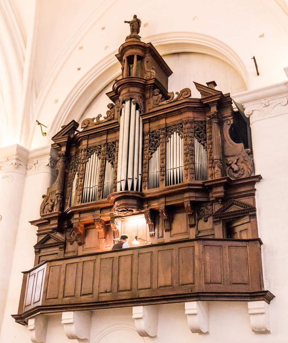 The organist was bashing out some crazy hymns while I was there