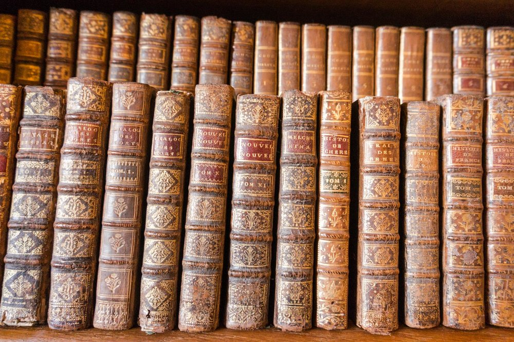 The books at the front were small - about 10cm tall - because they were travel editions!