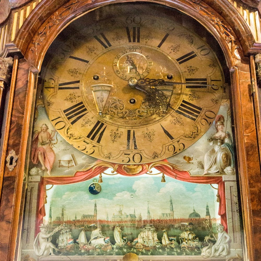 A beautiful old grandfather clock and the little ships moved across the front!
