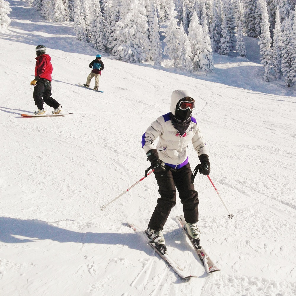 beginner skiing a blue run at Grand Targhee