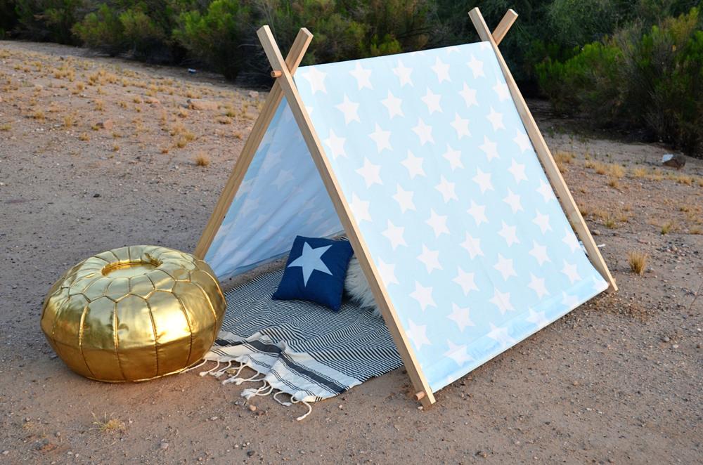 DIY Tent | Momma Society | www.mommasociety.com