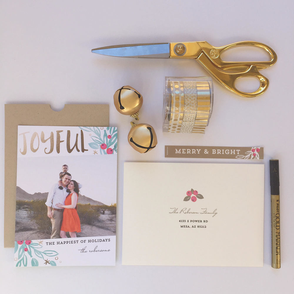 12 Simple Tips To a Stress Free Holiday | Pre Addressed Envelopes from Minted | www.MommaSociety.com