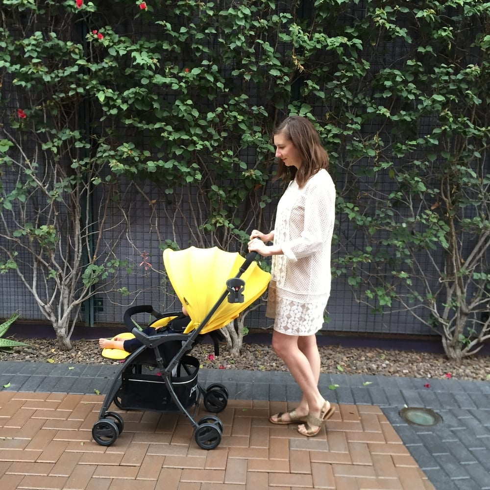 Joovy Balloon Stroller Review | Momma Society-The Community of Modern Moms | www.MommaSociety.com