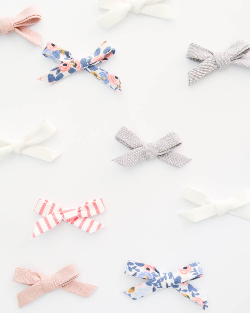 Easy 2 Minute No-Sew Hair Bow Headband Tutorial