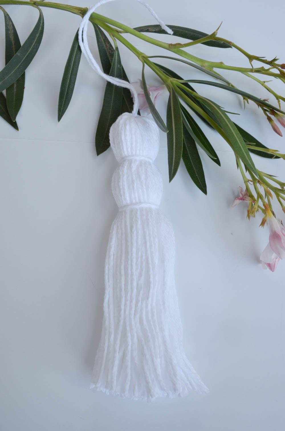 Yarn Tassel Storage Bins DIY | Under $2 and simple! | How to make a yarn tassel | Baby Closet