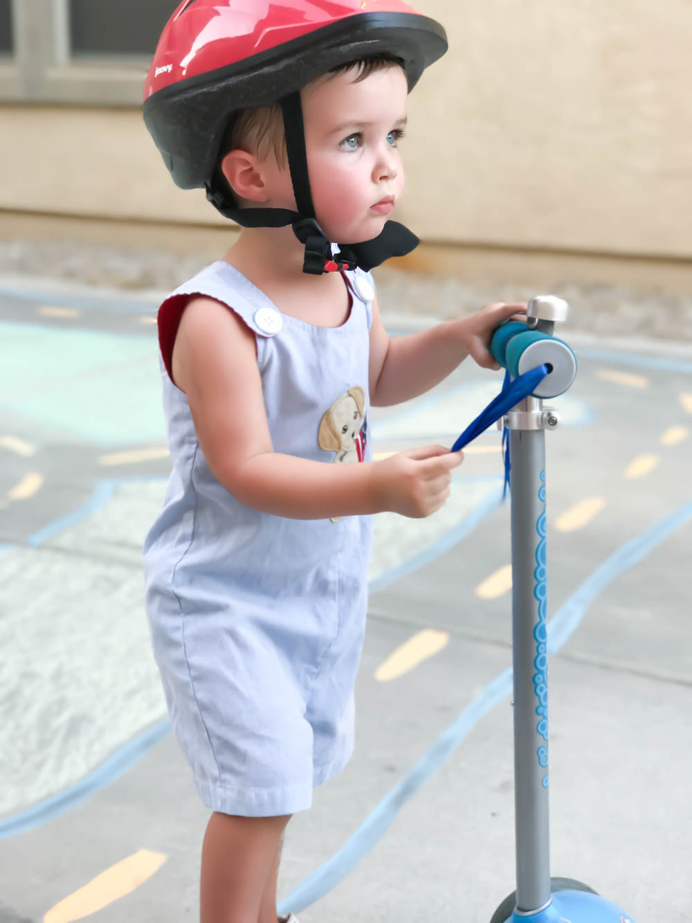Driveway Chalk Scooter Racetrack | Toddler Imagination | Imaginative Play | Radio Flyer | #sponsored