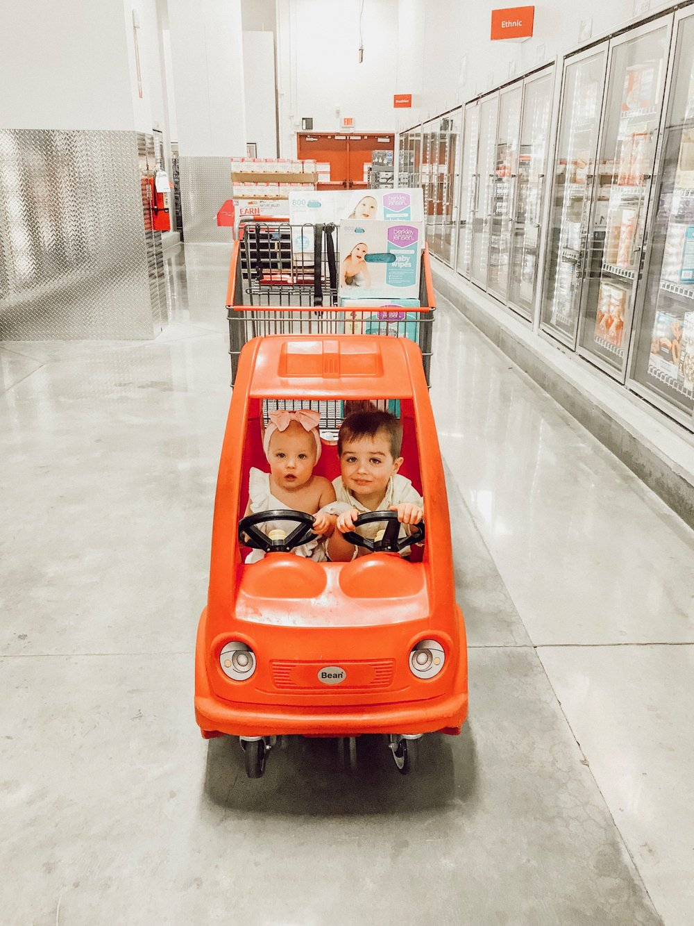 Grocery Shopping with Kids Hacks | Momma Society