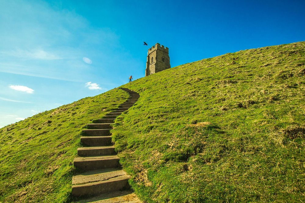 glastonbury tor women's creativity retreat