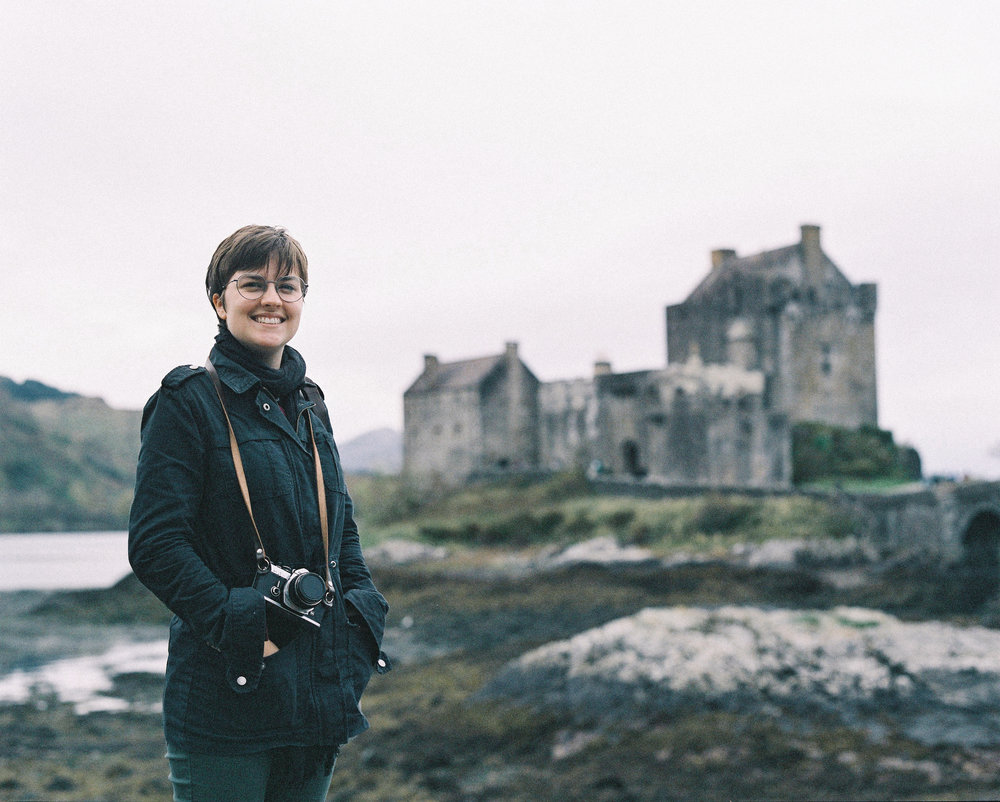 Lindsey in front of Eilean Donan Castle, film