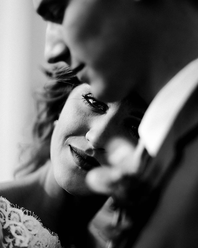 I live to capture these sweet, tender moments between two people madly in love.