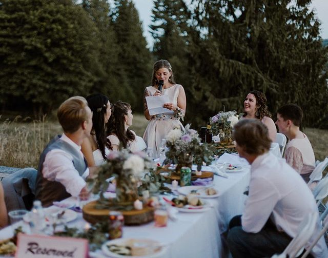 Everybody loves a mix of good food, a moving speech, and the great outdoors! 😍