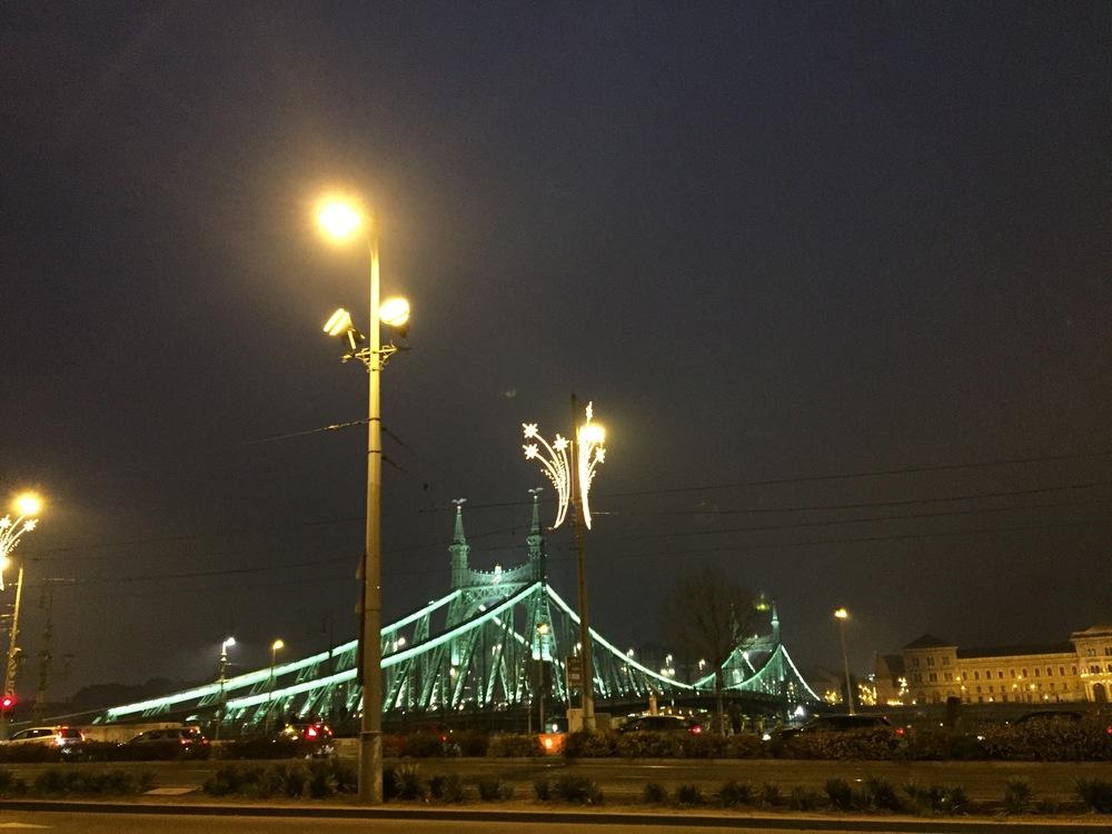 Le Chain Bridge réunissant Buda et Pest