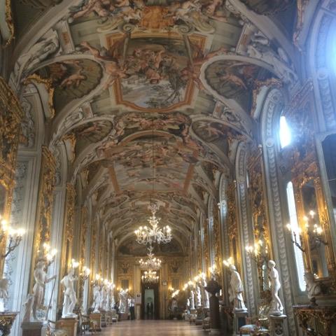 Petite ...et sublime galerie des glaces du Palazzo Doria Pamphilj