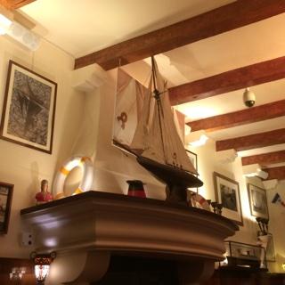 Drink à l'hôtel Sube avec vue sur le port de Saint Tropez!