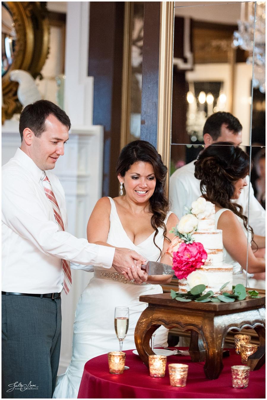 naked_wedding_cake_olde_pink_house_savannah_Wedding_not_a_crumb_julie_anne_photography (8).jpg