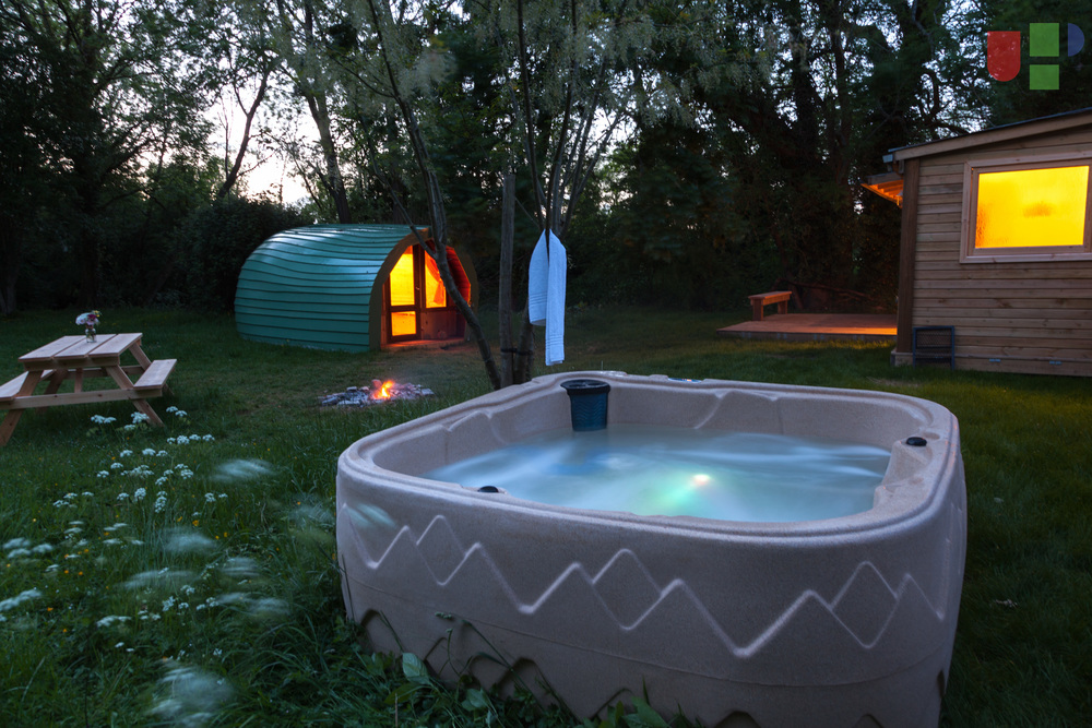 Hot Tub, The Island