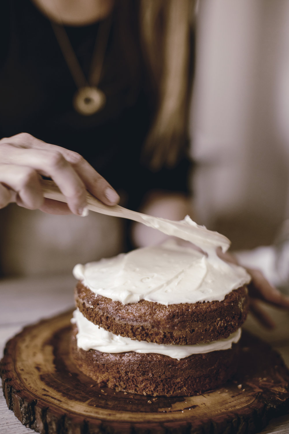 cream cheese frosting and classic carrot cake recipe / heirloomed