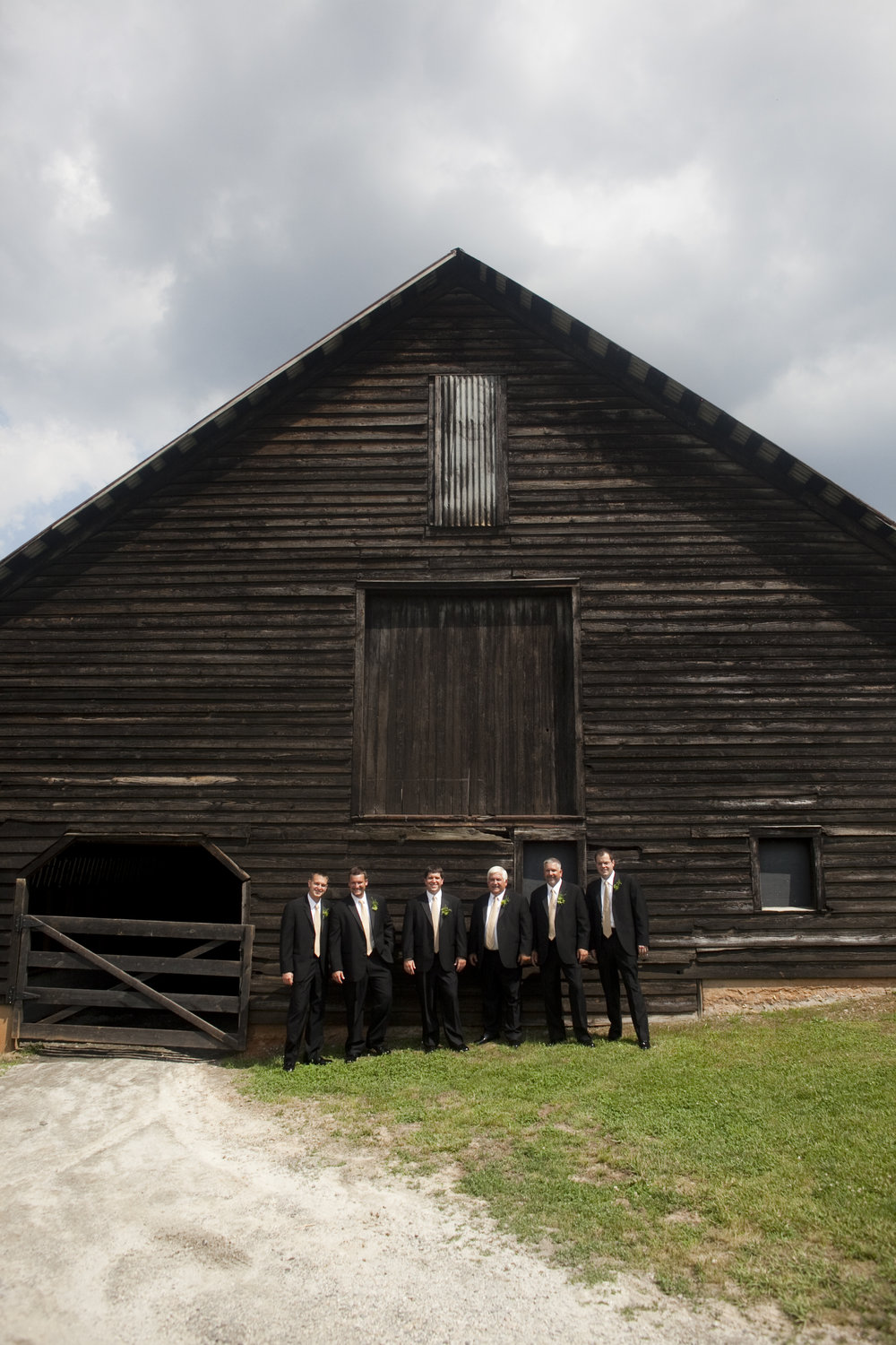 groomsmen at barn wedding / heirloomed