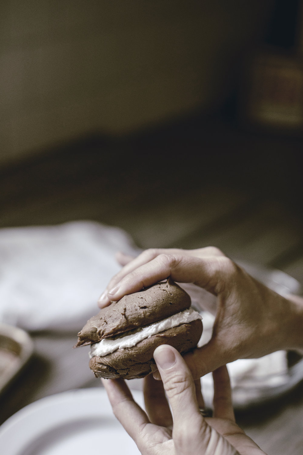 delicious whoopie pie recipe / heirloomed