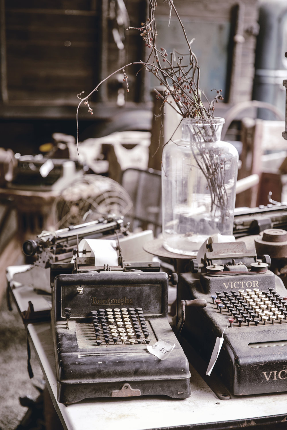 vintage typewriters / heirloomed