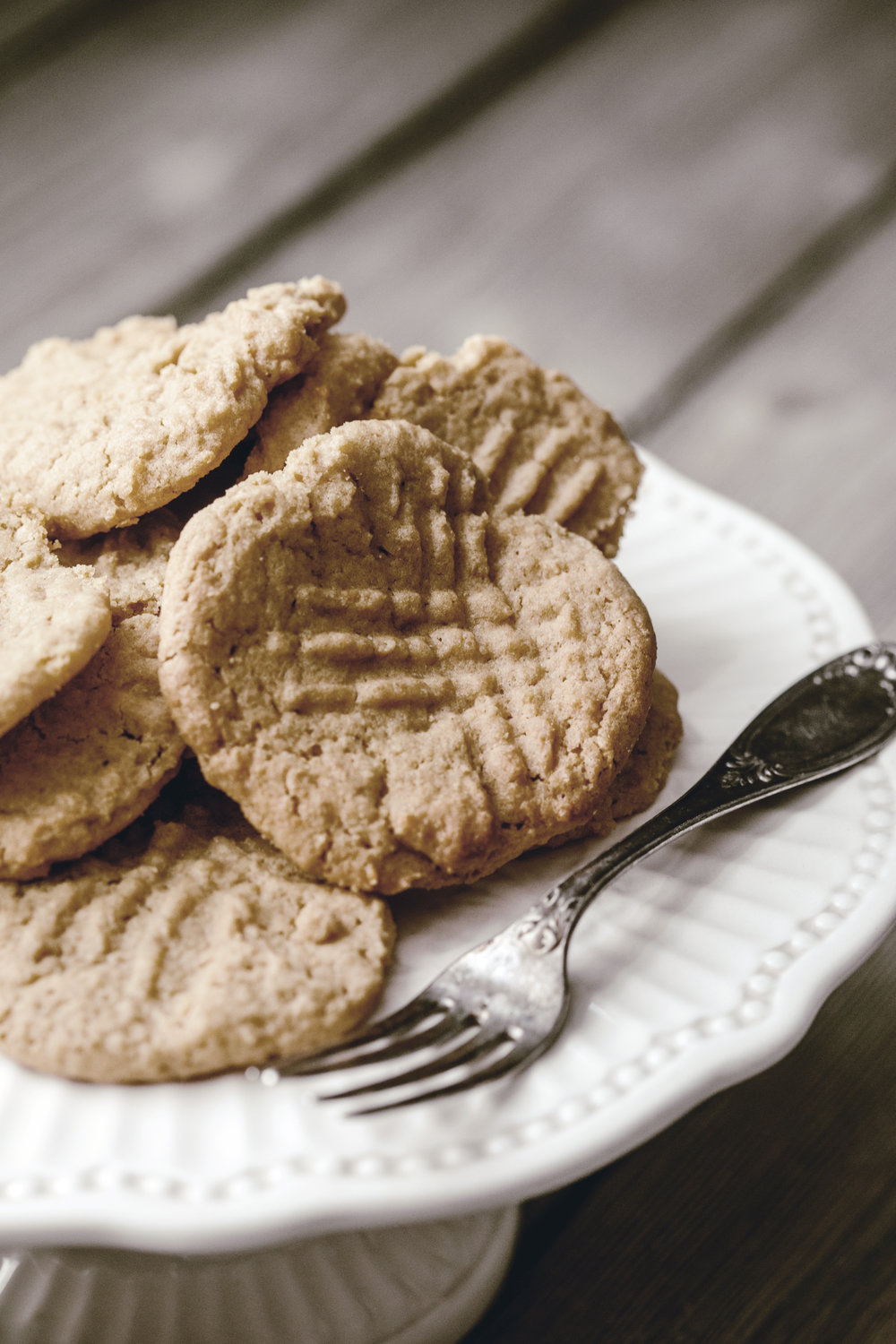 peanut butter cookies / heirloomed
