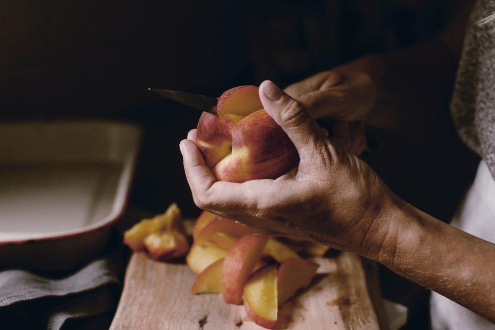 how to make a peach cobbler