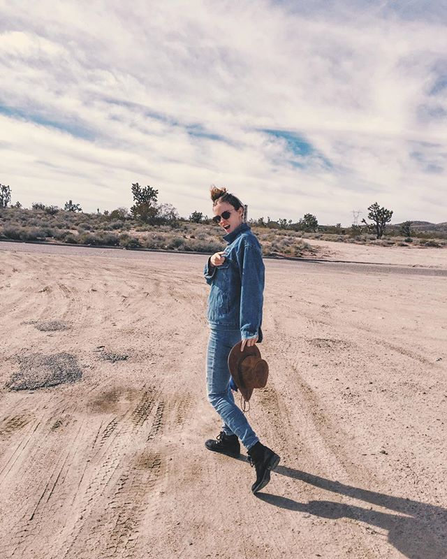 Out N' about filming #🎥 #🎶 #🎬 #🎤 #📷 #desert #electrogroove #electrofunk #electropop #newmusicvideo #newsong #newmusic