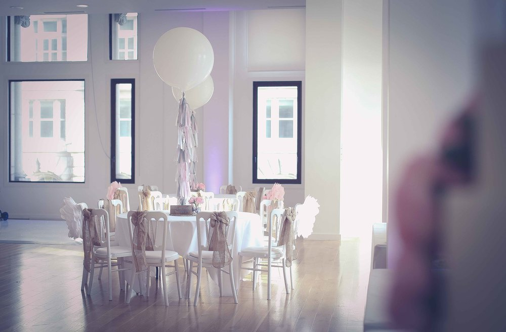 Wedding photos at the liver building (1 of 1)-9.jpg