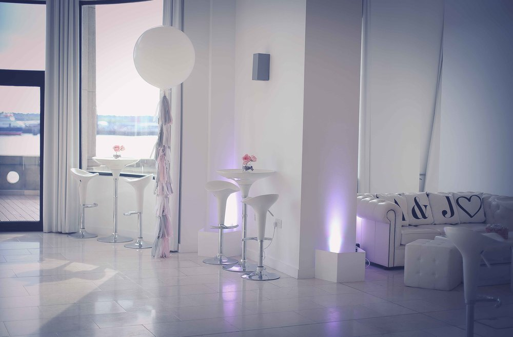 Wedding photos at the liver building (1 of 1)-13.jpg