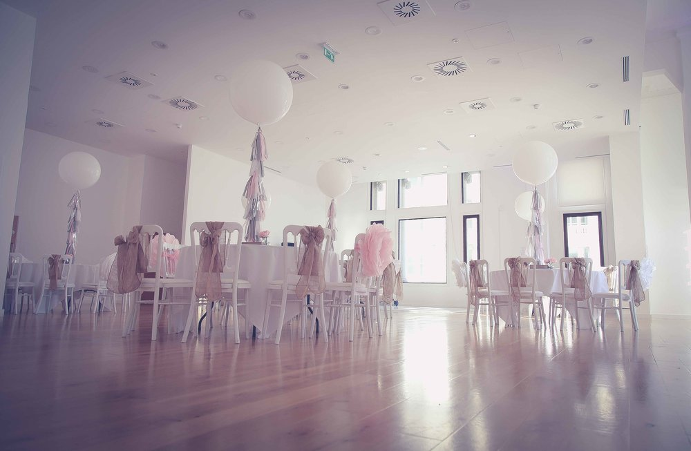 Wedding photos at the liver building (1 of 1)-17.jpg