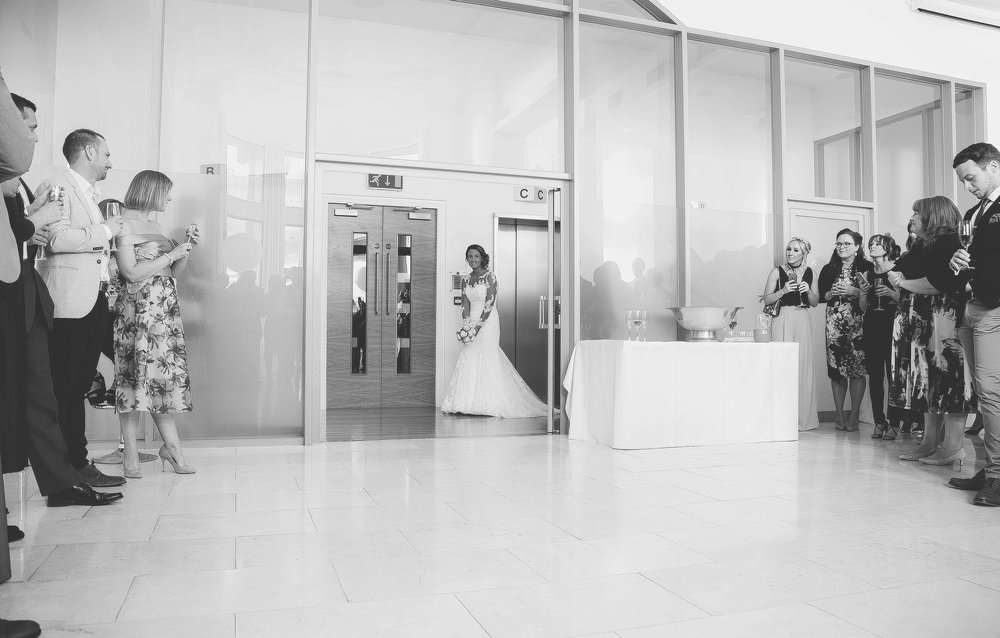 Wedding photos at the liver building (1 of 1)-22.jpg