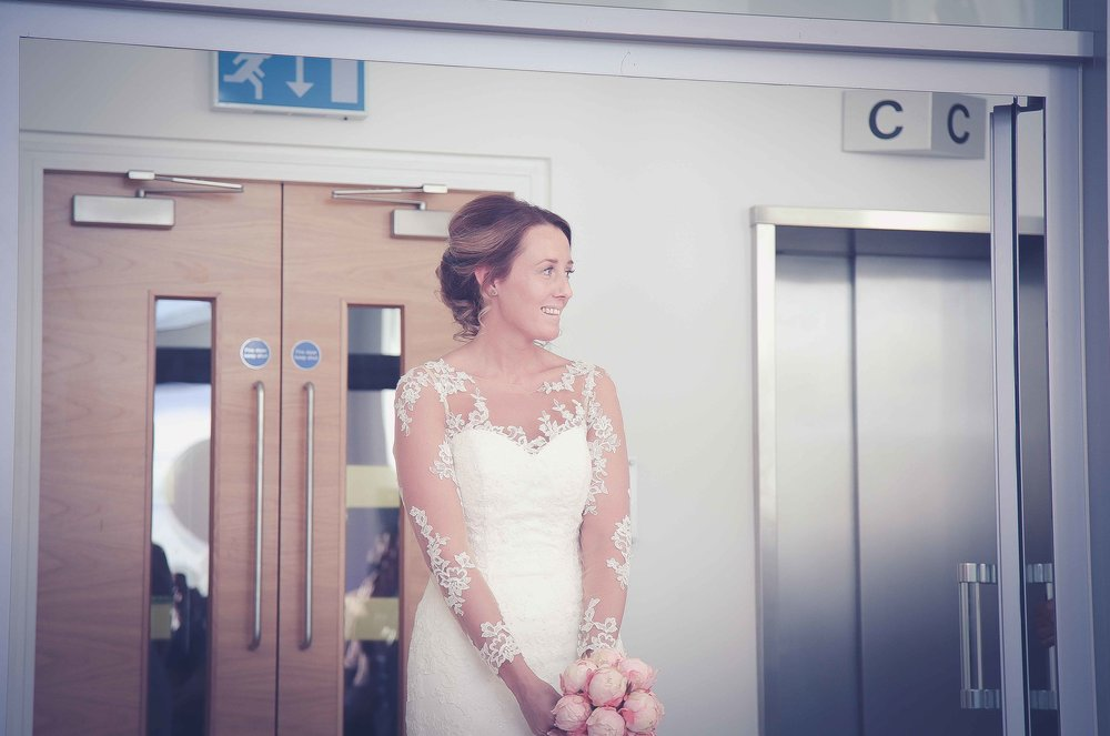 Wedding photos at the liver building (1 of 1)-23.jpg