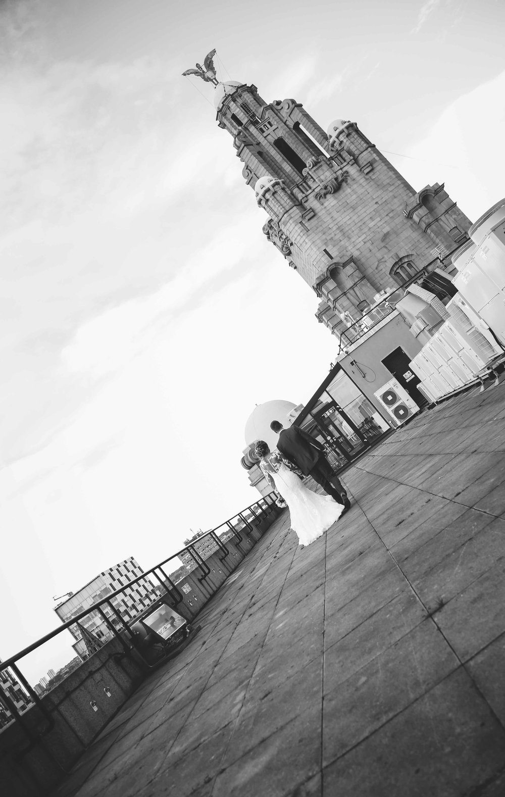 Wedding photos at the liver building (1 of 1)-34.jpg