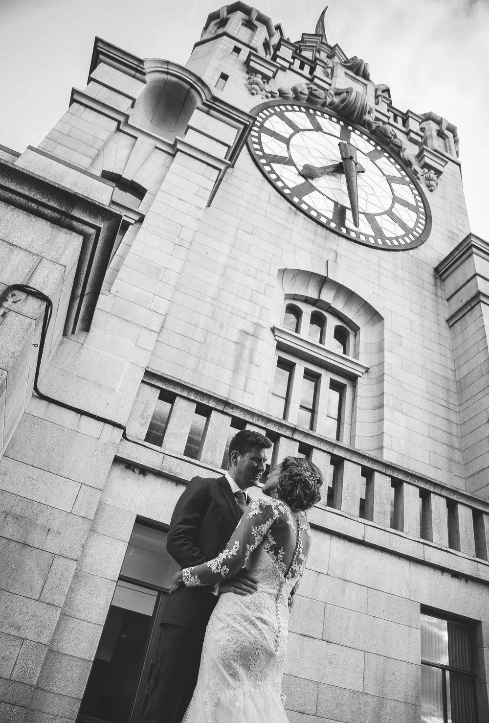 Wedding photos at the liver building (1 of 1)-33.jpg
