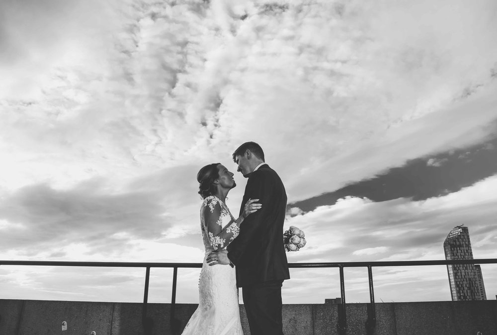 Wedding photos at the liver building (1 of 1)-36.jpg