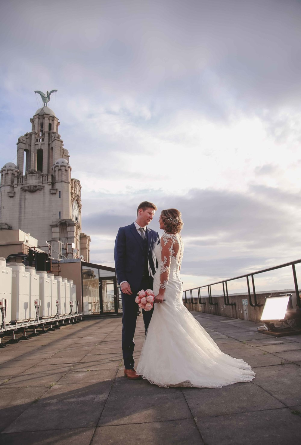 Wedding photos at the liver building (1 of 1)-37.jpg