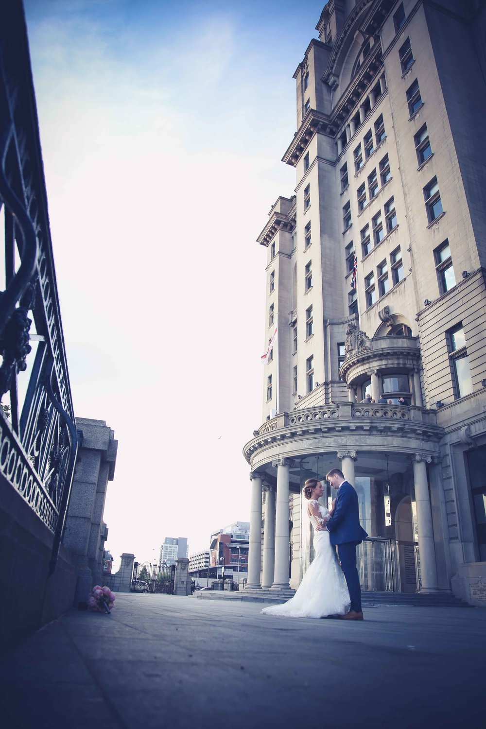 Wedding photos at the liver building (1 of 1)-50.jpg