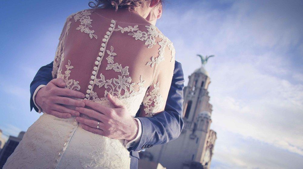 Wedding photos liver building (1 of 1)-3.jpg