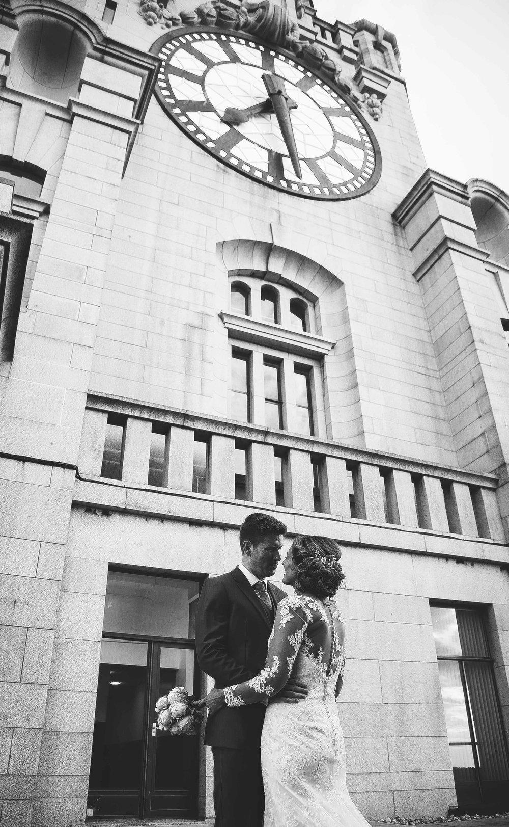 Wedding photos liver building (1 of 1)-2.jpg