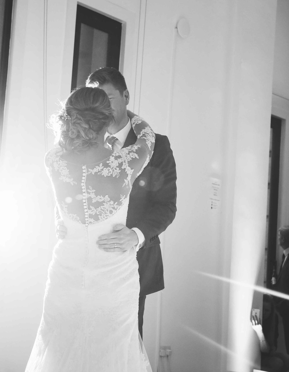 Wedding photos at the liver building (1 of 1)-54.jpg