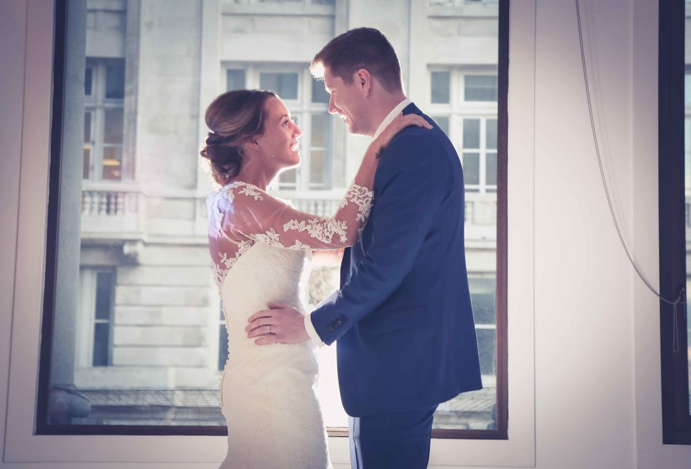 Wedding photos at the liver building (1 of 1)-56.jpg