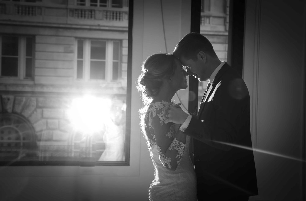 Wedding photos at the liver building (1 of 1)-60.jpg