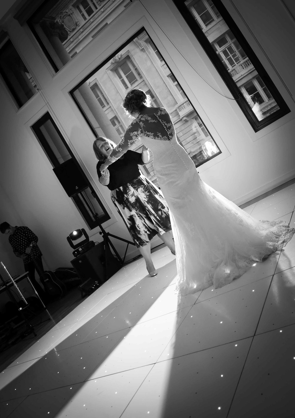 Wedding photos at the liver building (1 of 1)-63.jpg